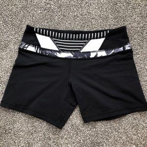 """Lululemon Mid-Rise 4"""" Seam Shorts"""